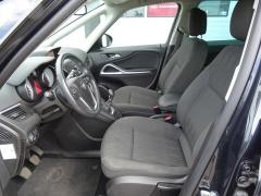 Opel-Zafira-7